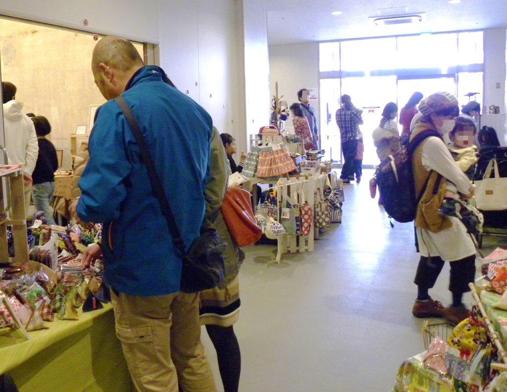 【information】|奇数月第1日曜|半田市| ハンドメイド作品を集めたイベント 「手づくりマルシェ ひとはこ市」